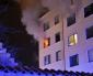 Kraftig lägenhetsbrand bakom biblioteket