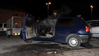 Stulen bil sattes i brand