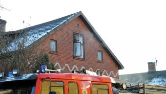 Brand i bjälklager i villa