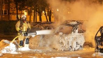 Fyra bilar i brand på Koppargården