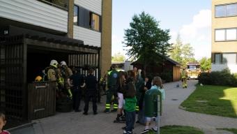 Brand i flerfamiljshus