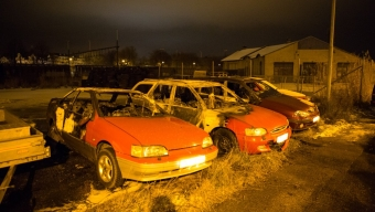 Tre bilar i brand