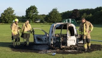Skadegörelse och bilbrand