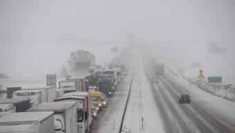Besvärligt väglag i snöovädret