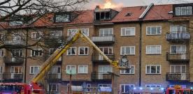 En död i lägenhetsbrand