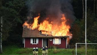 Brand i klubbstuga troligen anlagd