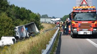 Lastbilar inblandade i masskrock