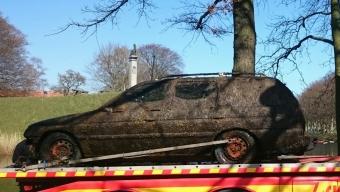 Ännu en bil i vallgraven