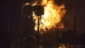 Lastbilsbrand på åkeri