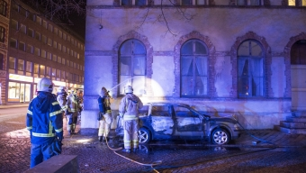 Bilbrand orsakades av kraftfull pyroteknik