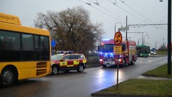 Rullskidåkare påkörd av buss
