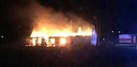 Kraftig brand på Enoch Thulins flygplats
