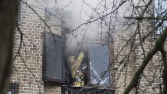 Anlagd brand i tom lägenhet