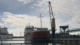 Man fastklämd i ny arbetsplatsolycka i hamnen
