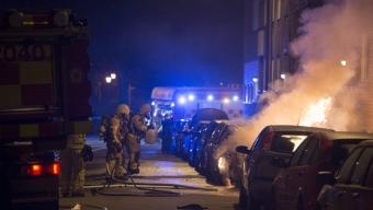 Flera bilar i brand på Gröna Gång