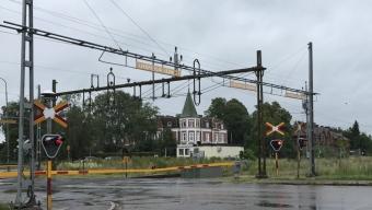 Öppet igen – Bommarna var nere i Svalöv – Godståg har kört på kor