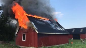 Kraftig brand vid Norra Skrävlinge