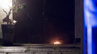 Brand utanför garage