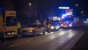 En till sjukhus efter trafikolycka vid Biltema