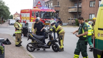 Struntade i väjningsplikt, moped krockade med bil