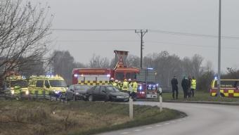 Bil uppges ha voltat genom rondellen utanför Asmundtorp