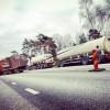 Tankbilssläp kasade ner i dike på 110:an