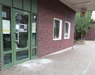 Entrédörr förstördes på Svalövs polisstation