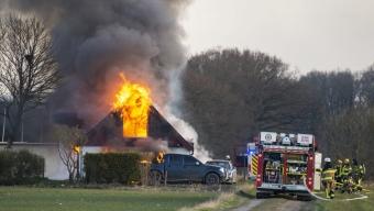 Kraftig villabrand utanför Kingelstad