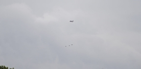 Lågt flygande stridsflygplan