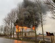 Räddningstjänsten brände ner gård