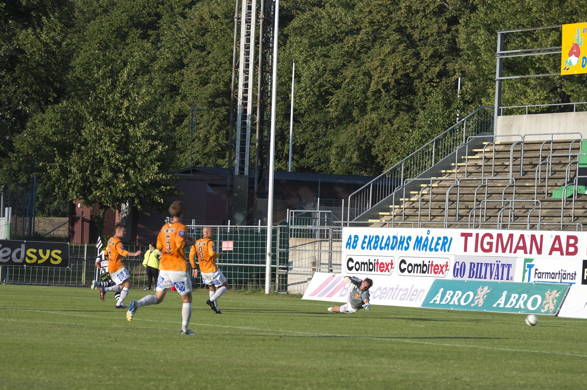4-0 av Fredrik Olsson