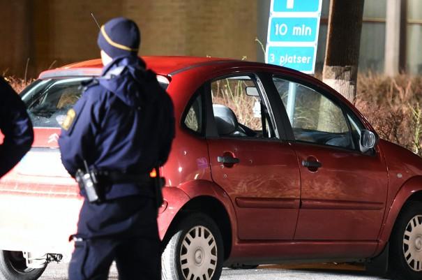 Bil skottskadad i Landskrona