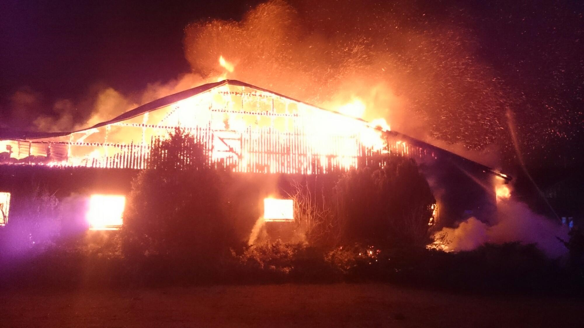Grisstall brinner i Svalöv