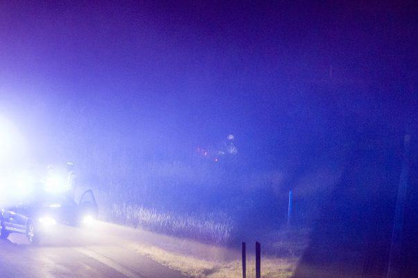 En personbil voltade av vägen på E6 vid Landskrona Södra. Olyckan inträffade vid 00:40-tiden natten mot torsdag. Det är oklart om någon skadades