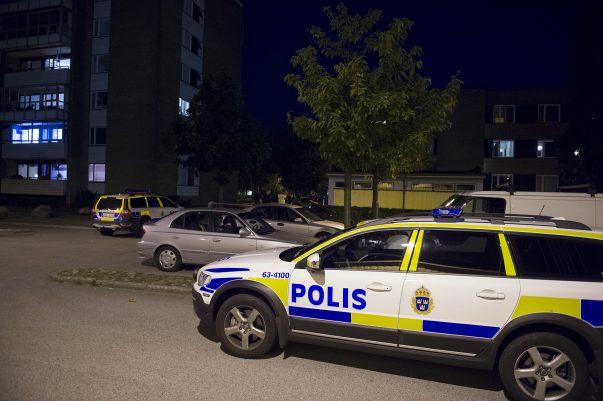 Vid 23:20 får polisen larm om att en skottlossning har inträffat på Koppargården i Landskrona. Flera polispatruller skickas till platsen. Man finner ingen skadad och man hittar inte heller skador på husfasader eller liknande. Ingen person har heller tagit sig till sjukhus med skottskada. Polisen gör fynd på platsen som kan konstatera att skottlossning har ägt rum. En anmälan om vapenbrott upprättas
