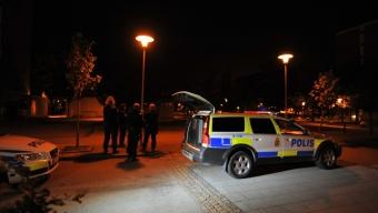 Stor polisinsats med malmöpiketen efter att flera beskjutits med grön laser