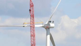 Tre nya vindmöllor på plats