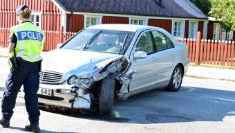 Två bilar kollidera i Svalöv