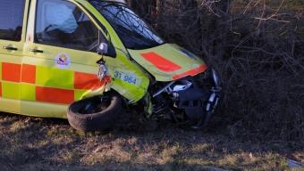 Ambulans kollidera med personbil