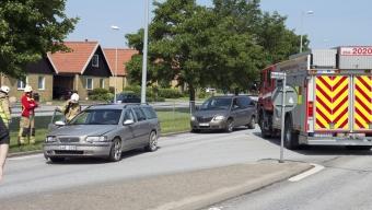 Personbil krockade med lastbil