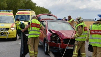 Traktor och personbil kolliderade