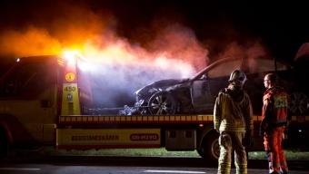 Bil började brinna på E6:an