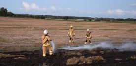 Mindre brand på stubbåker orsakade stort pådrag