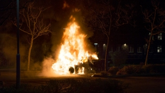 Anlagd bilbrand vid lasarettet