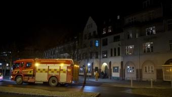Larm om lägenhetsbrand bredvid gamla brandstatione
