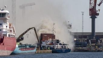 Brand på fartyg vid Bruuns kaj